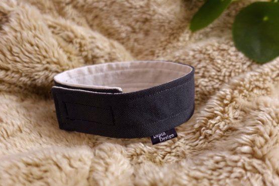 Hundehalsband-fuer-drinnen-dunkelblau