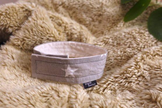 Hundehalsband-für-drinnen-sterne-grau